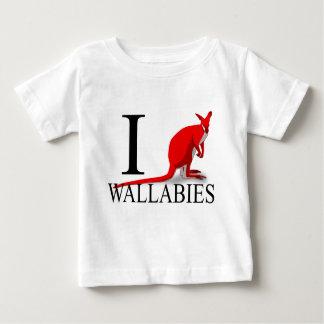 私はワラビーのベビーを愛します ベビーTシャツ
