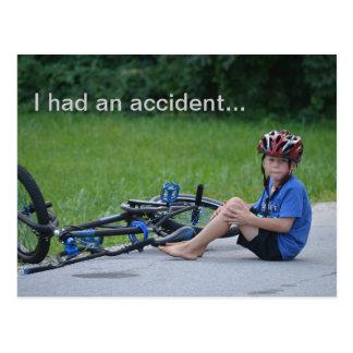 私は事故を有しました。 自転車の衝突の郵便はがき ポストカード