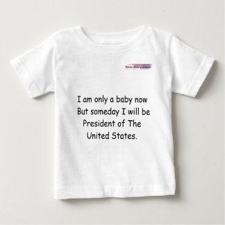 私は今ただのベビーですが、いつの日かb… ベビーTシャツ
