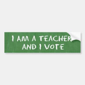 私は先生であり、投票します バンパーステッカー