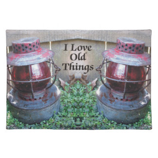 私は古い事の旧式なランタンのランチョンマットを愛します ランチョンマット