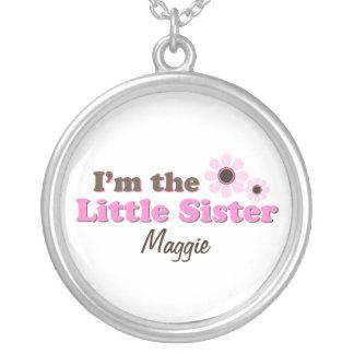 私は名前入りな妹のモダンな花です シルバープレートネックレス