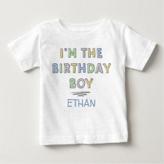 私は名前入りな誕生日の男の子-です ベビーTシャツ