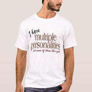 私は多数人格を…有します Tシャツ