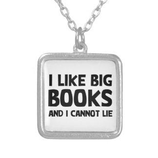 私は大きい本を好みます シルバープレートネックレス