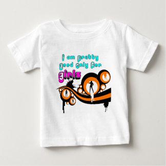 私は女の子のためのだけかわいらしいよいです ベビーTシャツ