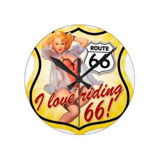 私は女の子の上のルート66 Pinを除くことを愛します ラウンド壁時計
