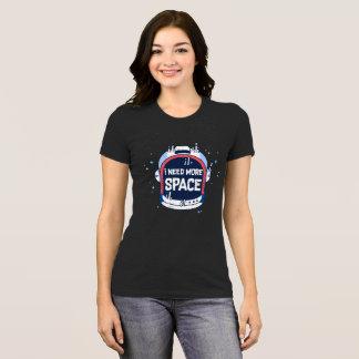 私は宇宙の宇宙航空ロケットのより多くのヘルメットを必要とします Tシャツ