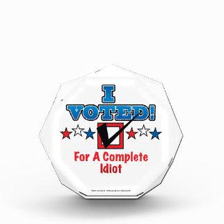 私は完全な馬鹿のために投票しました 表彰盾