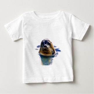 私は実質のシールです! ベビーTシャツ