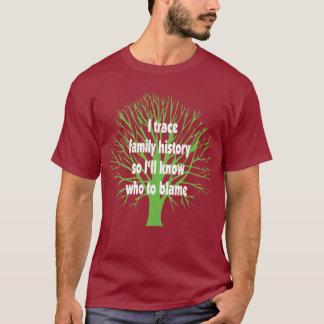 私は家系歴をたどります Tシャツ