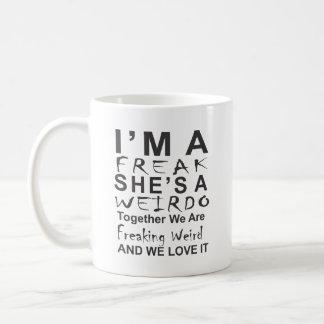 私は彼女が変人-マグの変種です コーヒーマグカップ
