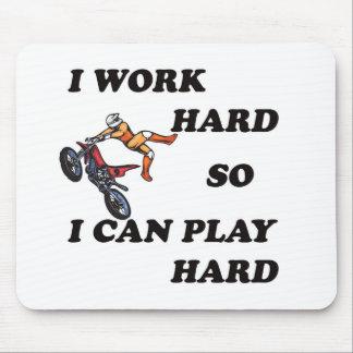 私は懸命を働かせます従って私は懸命を遊んでもいいです マウスパッド