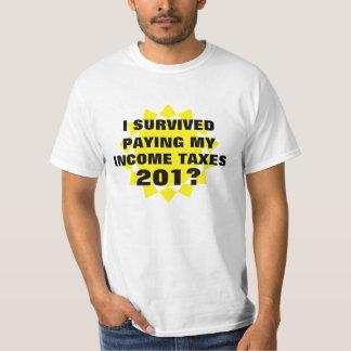 私は所得税を生き延びました Tシャツ