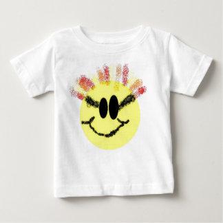 私は日光のベビーです! 白い ベビーTシャツ