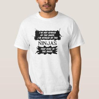 私は暗いTシャツの忍者を恐れています Tシャツ