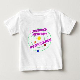 私は水星の逆行のピンクを生き延びました ベビーTシャツ