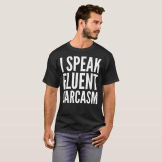 私は流暢な皮肉のタイポグラフィの文字のTシャツを話します Tシャツ
