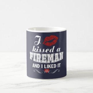 私は消防士に接吻しました コーヒーマグカップ