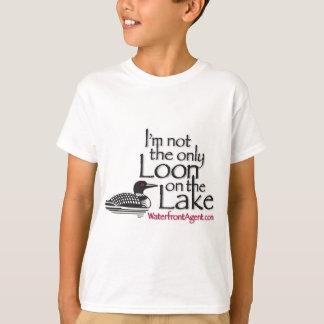 私は湖の唯一の水潜り鳥ではないです Tシャツ