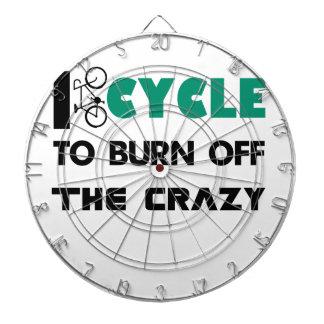 私は熱狂するのの自転車燃焼させるために循環します ダーツボード