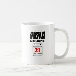 私は生き延びましたマヤの黙示録2012年(カレンダー)を コーヒーマグカップ