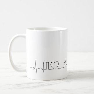 私は異常なecgのスタイルのエドモントンを愛します コーヒーマグカップ