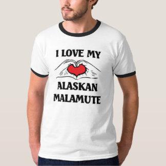 私は私のアラスカンマラミュートを愛します Tシャツ