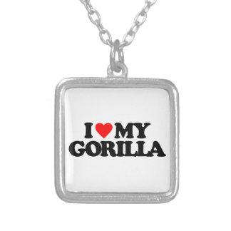 私は私のゴリラを愛します シルバープレートネックレス