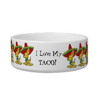 私は私のチワワの小犬の皿を愛します ボウル