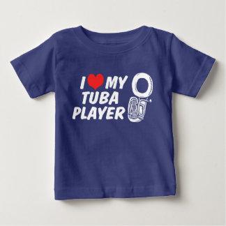 私は私のテューバプレーヤーを愛します ベビーTシャツ