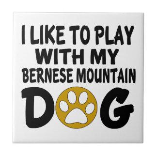 私は私のバーニーズ・マウンテン・ドッグと遊ぶのを好みます タイル