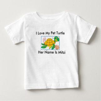 """""""私は私のペットカメ""""の幼児のTシャツ愛します ベビーTシャツ"""