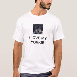 私は私のヨークシャーテリアを愛します Tシャツ
