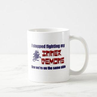私は私の内部の鬼を戦うことをストップ コーヒーマグカップ