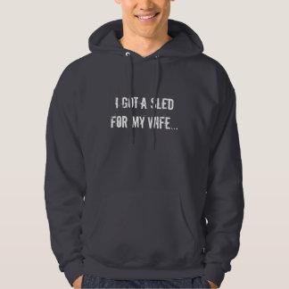 """""""私は私の妻ののためのそりを… """"Sledders.comのフード付きスウェットシャツ得ました パーカ"""