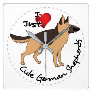 私は私の幸せで愛らしく及びかわいいジャーマン・シェパードを愛します スクエア壁時計