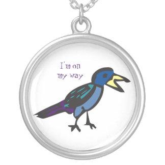 私は私の方法鳥のネックレスにあります シルバープレートネックレス