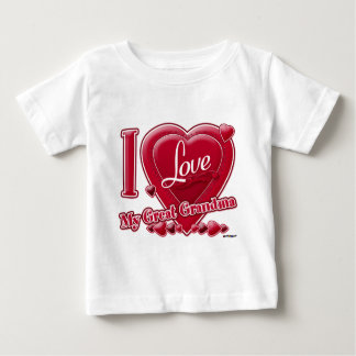 私は私の曾祖母の赤いハートを愛します ベビーTシャツ
