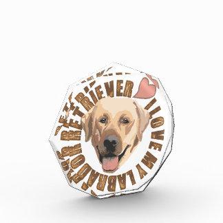 私は私の犬-ラブラドル・レトリーバー犬--を愛します 表彰盾