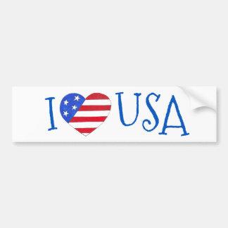 私は米国愛国心が強い7月4日の米国旗のハートを愛します バンパーステッカー