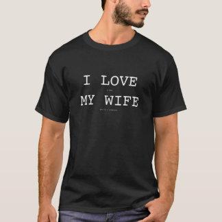 私は細字部分のブーメランのTシャツを持つ私の妻を愛します Tシャツ