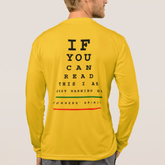私は視力検査表- LSのスポーツTekのランニング--をあたためています Tシャツ