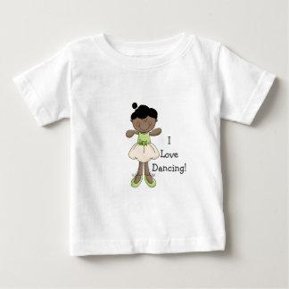 私は踊ることを愛します! -小さいバレリーナか暗い外観 ベビーTシャツ