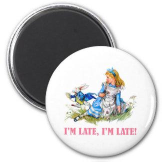 私は遅れます、私遅れます! Aの非常に重要な日付のため! マグネット