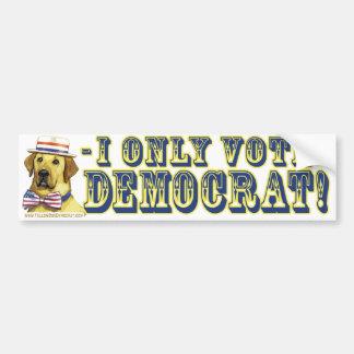 私は野良犬の民主党員のバンパーステッカーだけを投票します バンパーステッカー