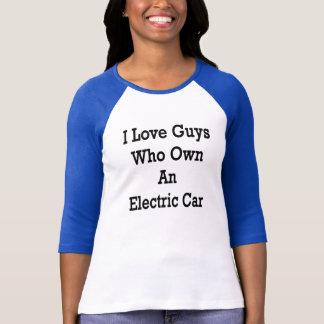 私は電気自動車を所有する人を愛します Tシャツ