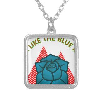 私は青いバラのようです シルバープレートネックレス