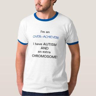 私は頑張り屋です Tシャツ