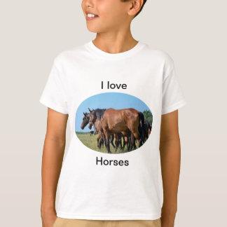 私は馬の美しい栗毛の馬のTシャツを愛します Tシャツ